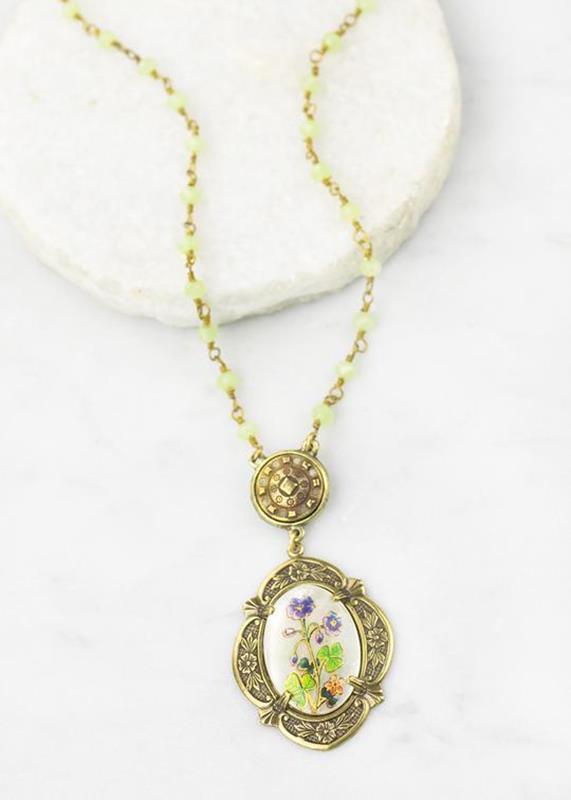 Vintage MOP Oval W/Clover Image Necklace,01-N821B